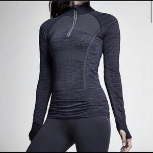 Athleta Fast Track Half Zip Pullover, Size Small